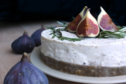 fig cheesecake raw no-bake recipe